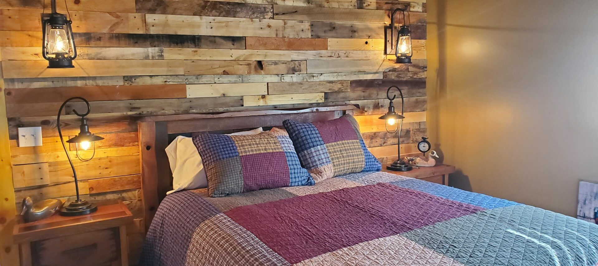 Bed with quilt